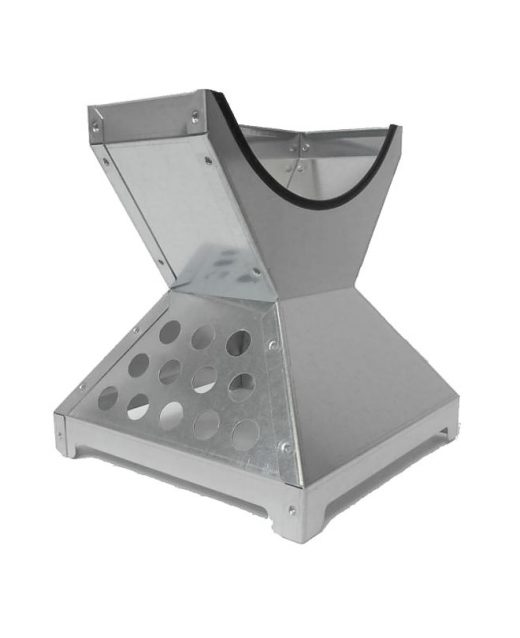 Piramide-in-acciaio golf